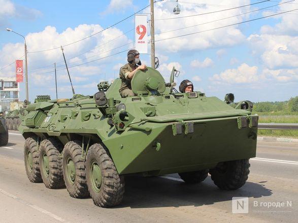 Танкисты в масках: первая репетиция парада Победы прошла в Нижнем Новгороде - фото 66