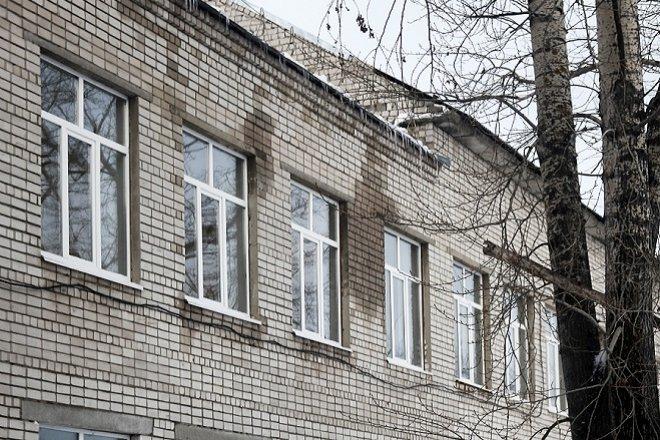 Департамент строительства обследует крыши нижегородских школ - фото 1