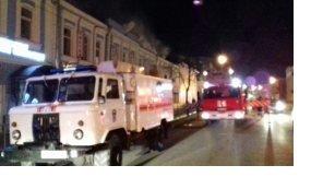 Более 70 человек тушили крупный пожар в административном здании в Канавине - фото 1