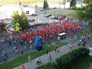 Швейцарские болельщики прошли маршем к стадиону «Нижний Новгород» (ФОТО, ВИДЕО)