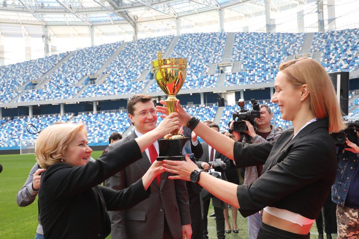 Голодец и Никитин вручили награды нижегородским волейболисткам за победу в чемпионате России - фото 1