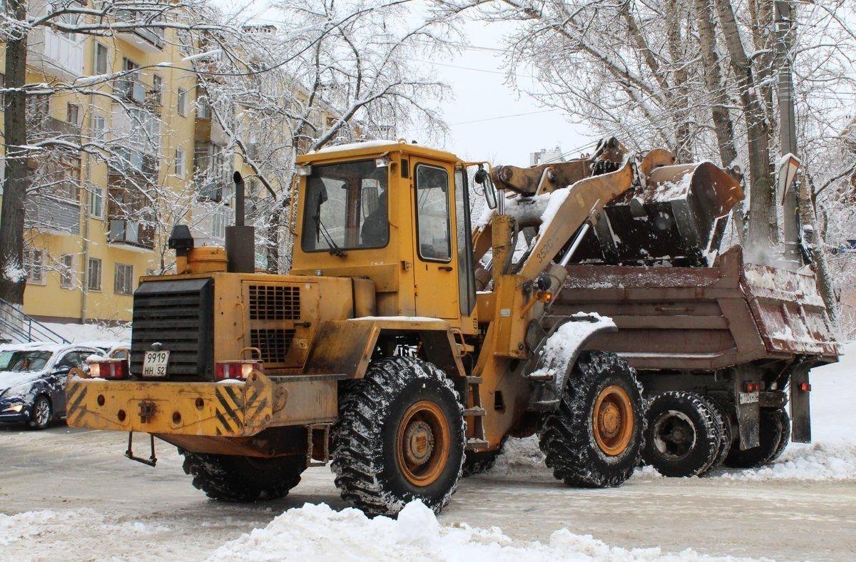 Пять тысяч тонн песко-соляной смеси заготовили для дорог Советского района - фото 1