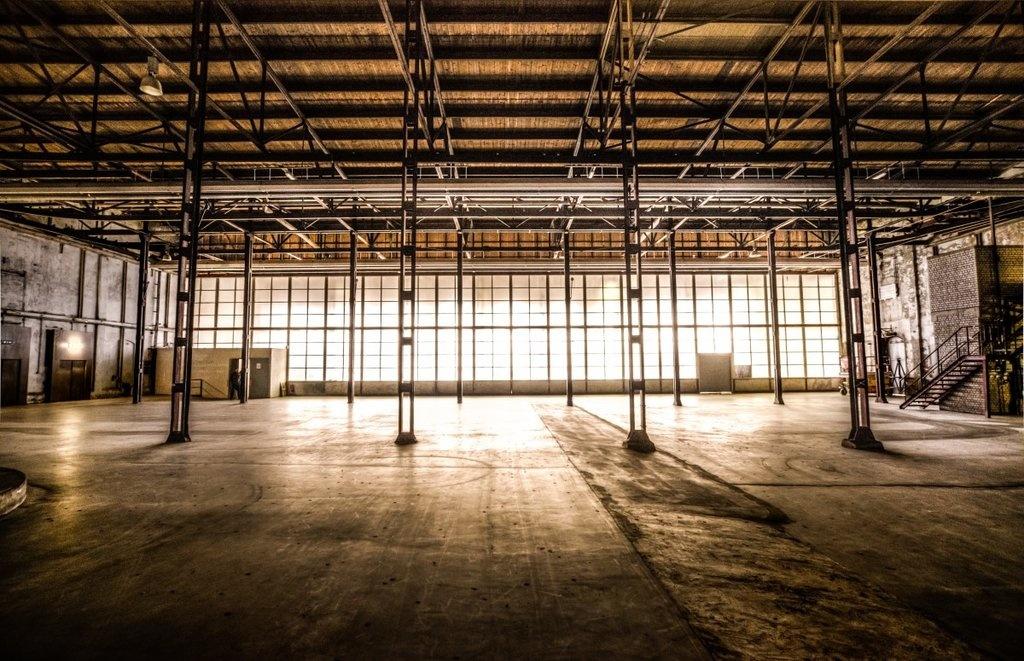 Торгово-складское здание выставлено на продажу около ТРЦ «Фантастика» - фото 2