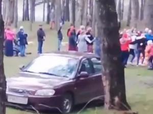 Нижегородца оштрафовали за участие в хороводе в Стригинском бору