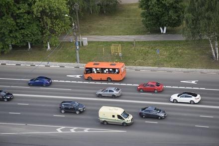 На двух шоссе и одном проспекте Нижнего Новгорода появятся выделенные полосы к 2028 году