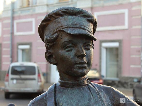 Труд в бронзе и чугуне: представителей каких профессий увековечили в Нижнем Новгороде - фото 32