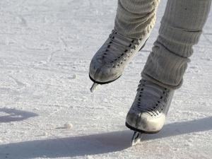 СМИ: для ледовой арены на нижегородской Стрелке начали готовить коммуникации