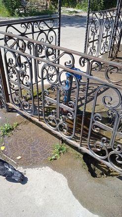 На Бугровском кладбище разрушается забор и подтапливаются могилы - фото 5