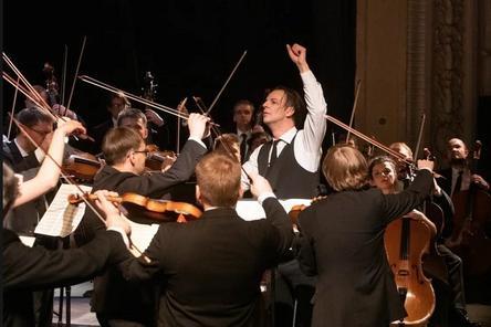 Дирижер Теодор Курентзис и оркестр musicAeterna выступили в Нижнем Новгороде