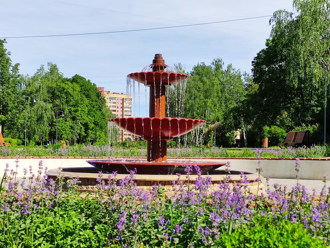 Воду в фонтанах Нижнего Новгорода чаще меняют из-за жары - фото 1