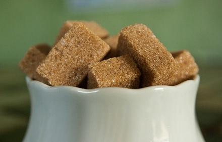 Росконтроль нашел свинец и мышьяк в сахаре популярных торговых марок