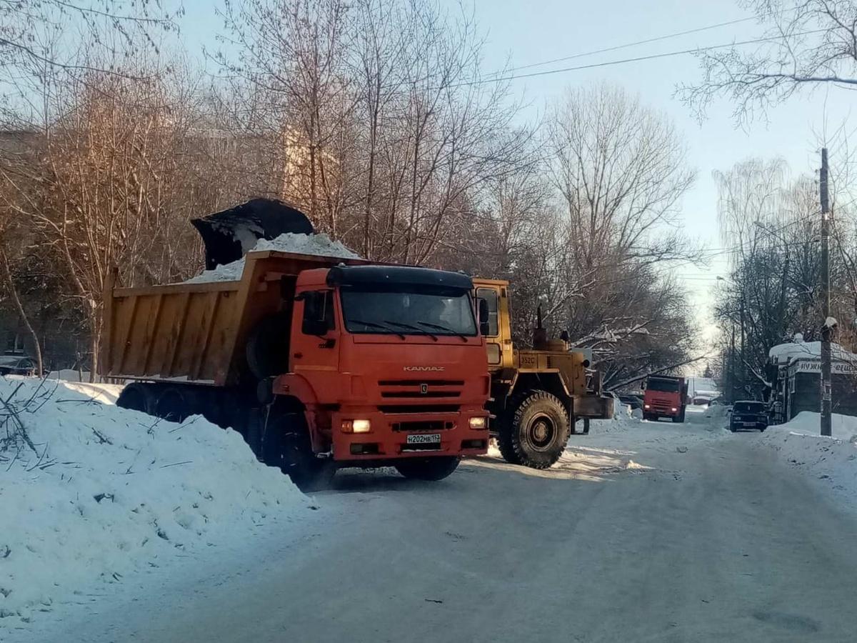 20 тысяч кубометров снега вывезли с улиц Нижнего Новгорода за сутки - фото 1