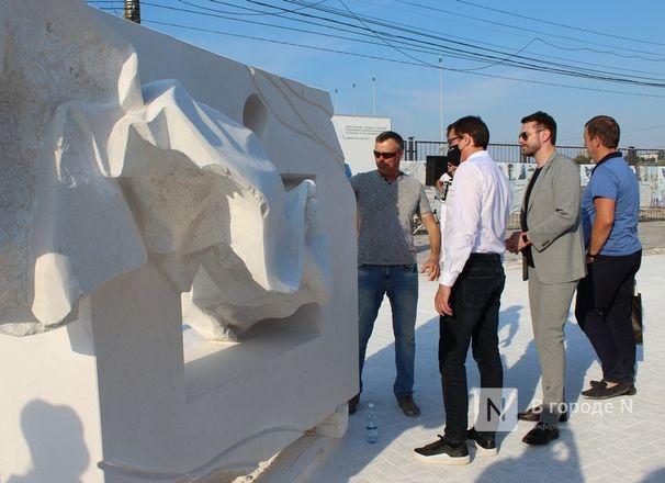 «Впередсмотрящий» и «Бесконечность»: новые скульптуры украсят Нижне-Волжскую набережную - фото 33