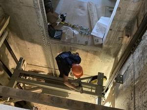 Лифты начали устанавливать в двух домах ЖК «Новинки Smart City»