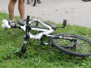 В Кстовском районе иномарка сбила школьника на велосипеде на глазах у отца